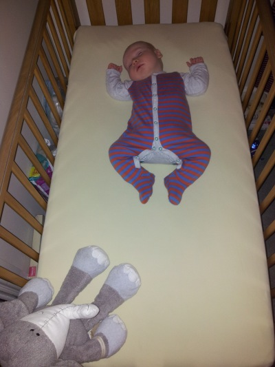 A successful big bed move... www.mummystodolist.com